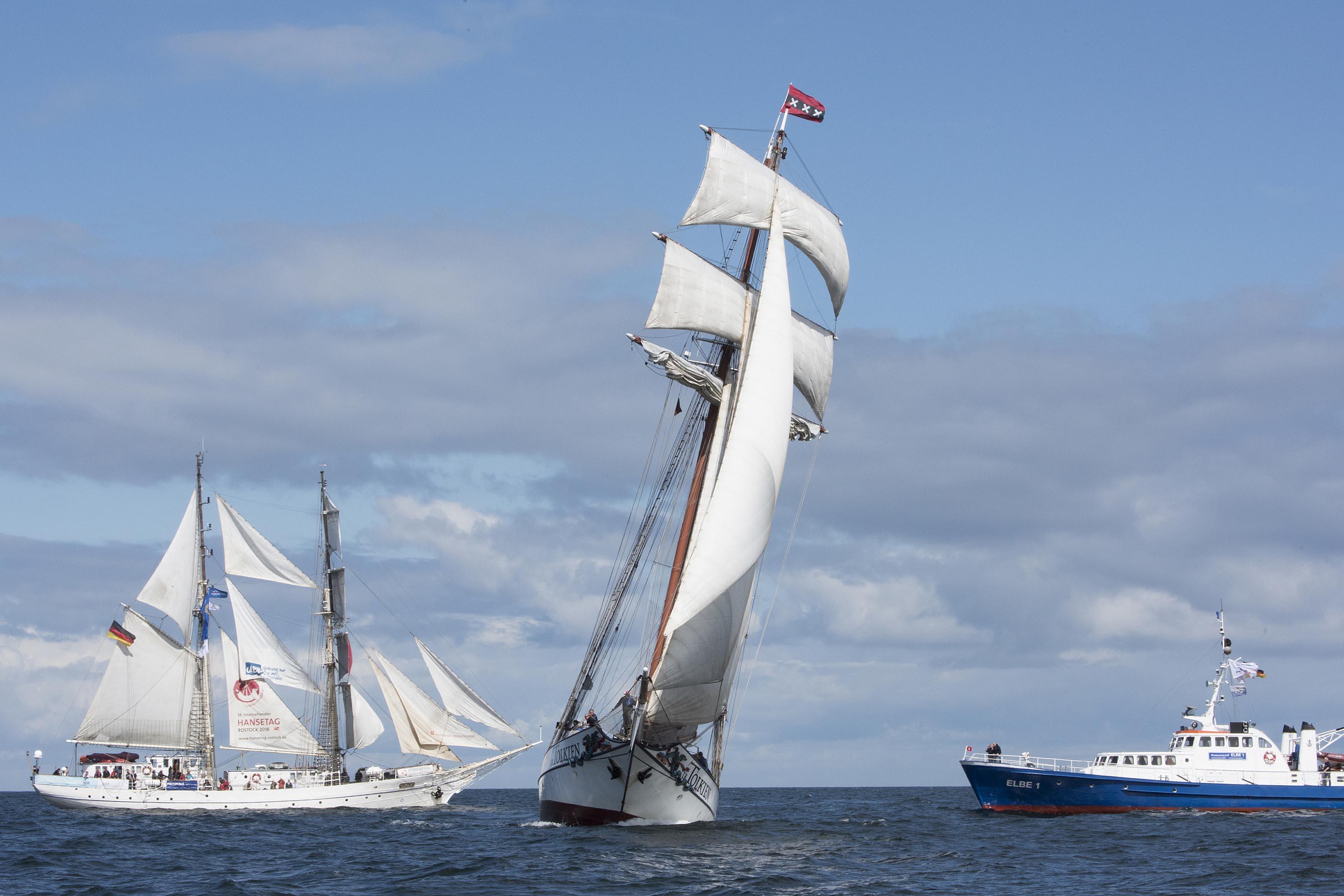 Die Hanse Sail Rostock ist ein Groß- und Traditionsseglertreffen und folglich stehen auch dieses Jahr wieder die Schiffe im Mittelpunkt des Geschehens.
