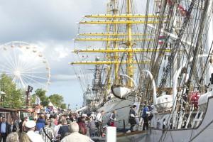 Auch an Land wird wieder für reichlich Spektakel gesorgt, (c) Hanse Sail Rostock / Lutz Zimmermann
