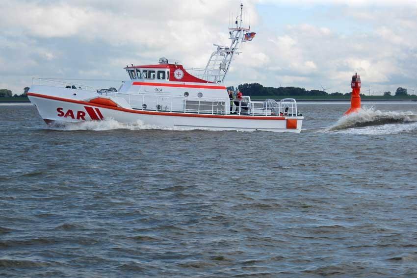 Der neue Seenotkreuzer bei der Erprobung.