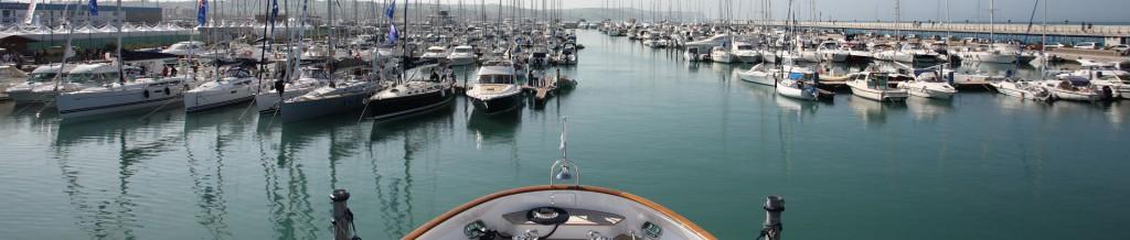 In der Marina dei Cesari sparen Sie bis zu 50%.
