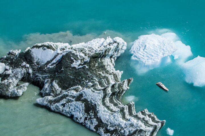 Yacht von Drohne aus fotografiert
