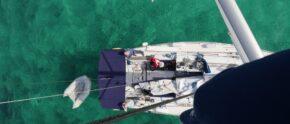 Charteryacht auf Balearentörn: vor Anker in Espalmador, zschen Ibiza und Formentera.