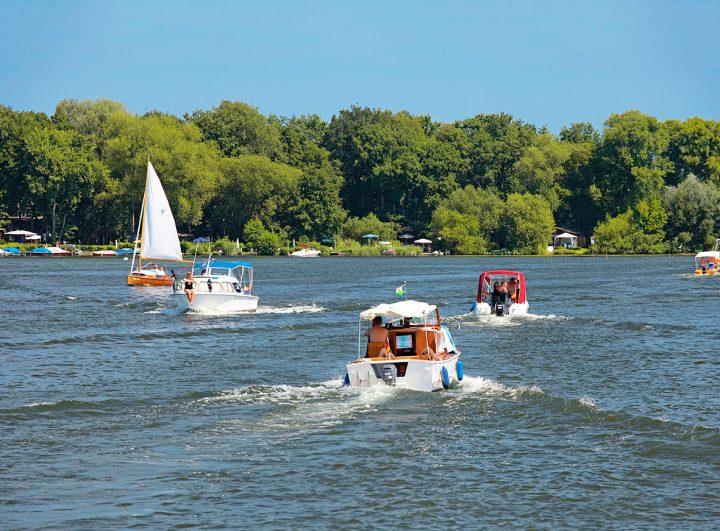 Bootsverkehr bei Caputh am Templiner See