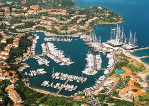 The Porto di Rotondo marina is a designated ADAC nautical base and has achieved top Ship's Wheel ratings.