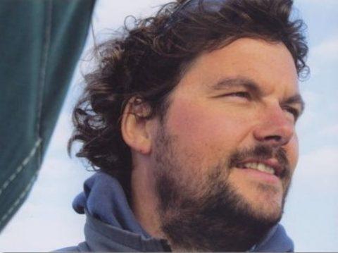 Einhandsegler Guido Dwersteg an Bord seiner Carpe.