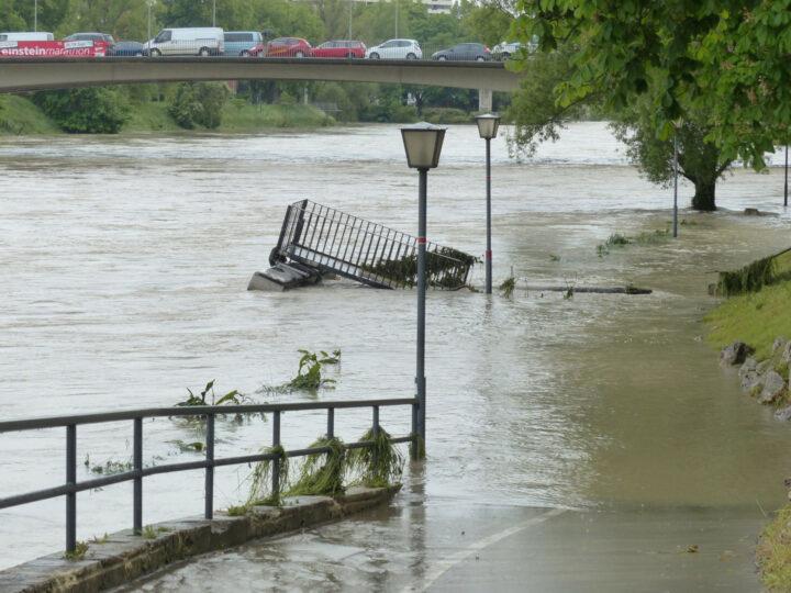 Hochwasser-Symbolbild