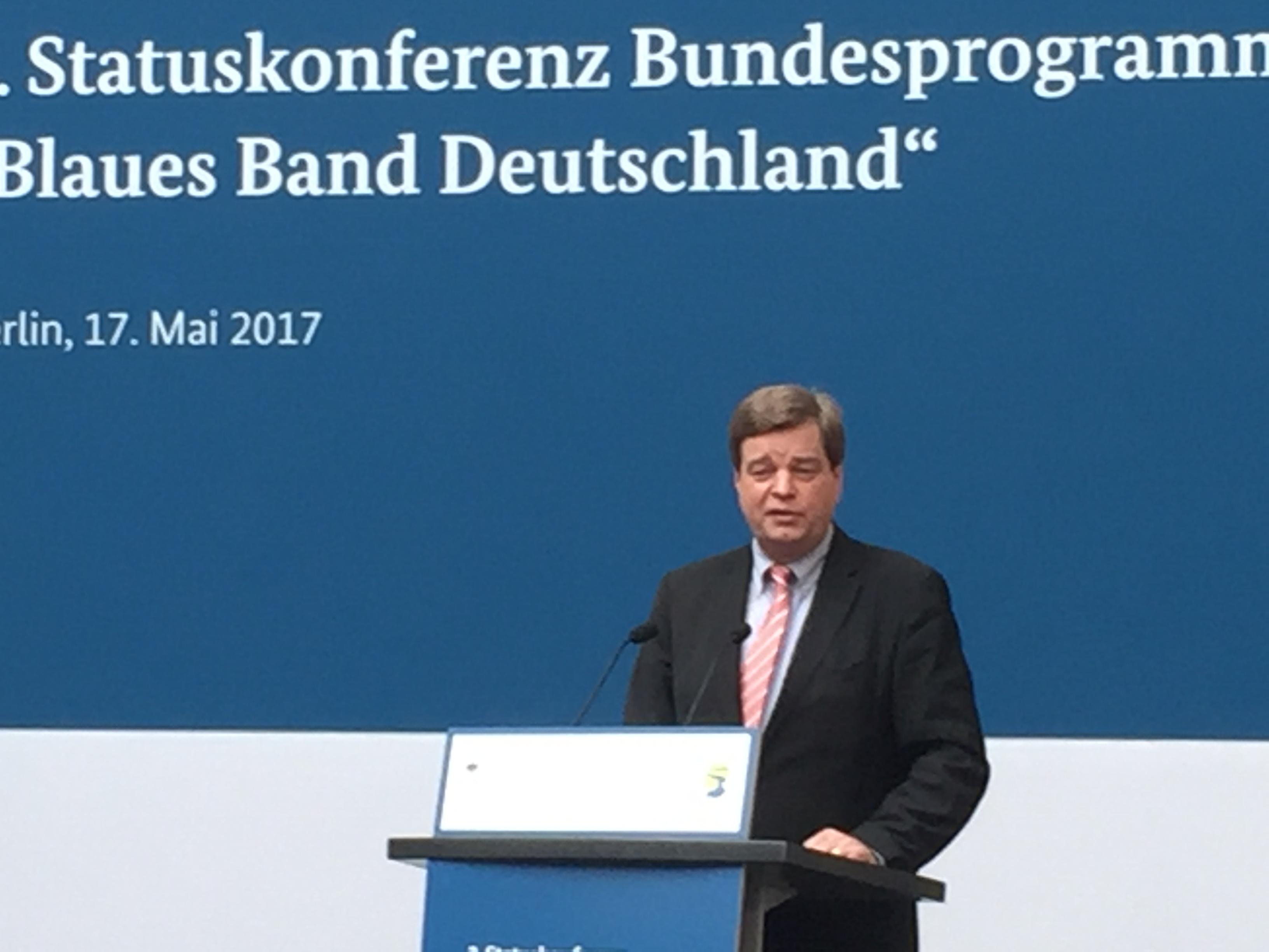 Statuskonferenz Blaues Band Deutschland : Enak Ferlemann, parlamentarischer Staatssekretär beim Bundesminister für Verkehr und digitale Infrastruktur.