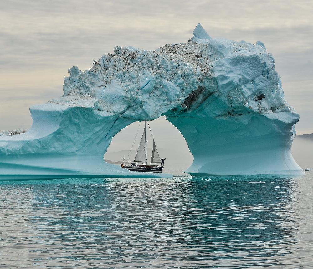 und Extremsportler Bernd Mansholt von seiner abenteuerlichen 5000-Seemeilen-Reise an das weiße Ende der Welt – Grönland – erzählt.