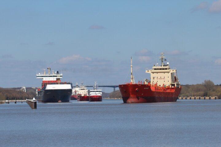 NOK mit Schiffen