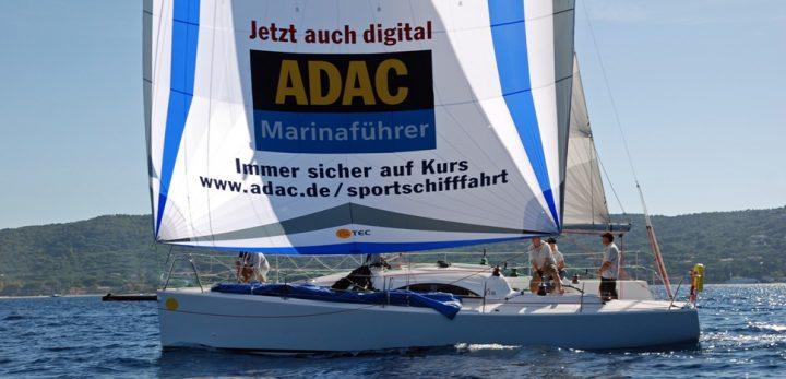 Immer sicher auf Kurs: www.adac.de/sportschifffahrt