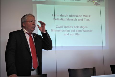 Paul Minz vor Delegiertenversammlung IBMV