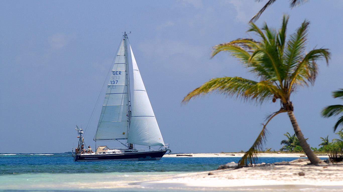 Einen Teil der 1200 Blauwassertage verbrachten Judith und Sönke Roever auch vor Traumkulissen in der Karibik.