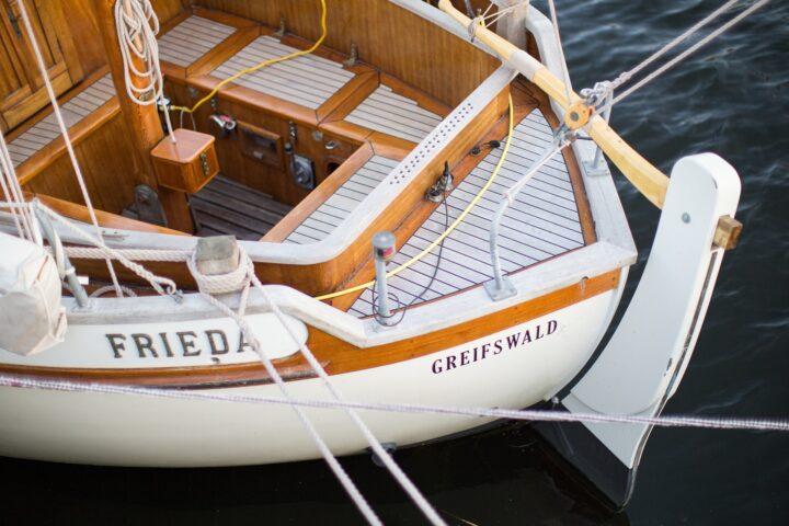 Segelboot Plicht