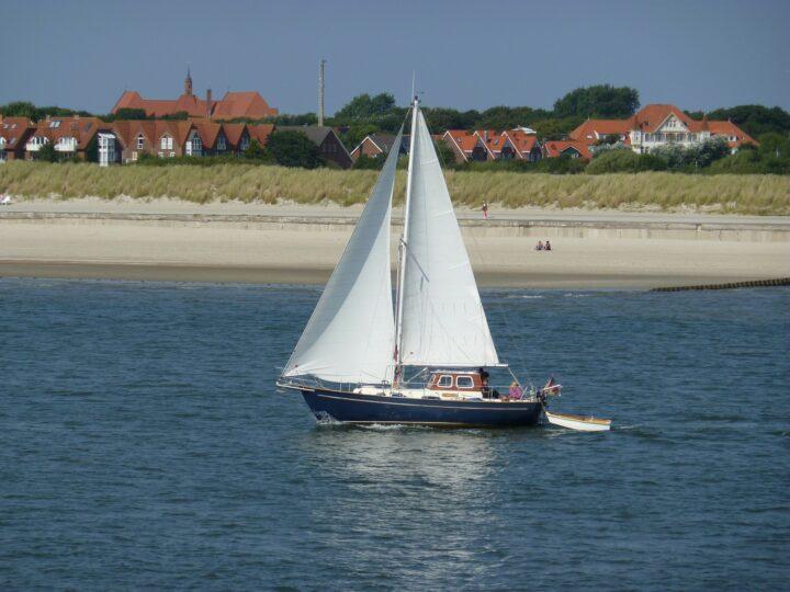 Segelyacht vor Norderney