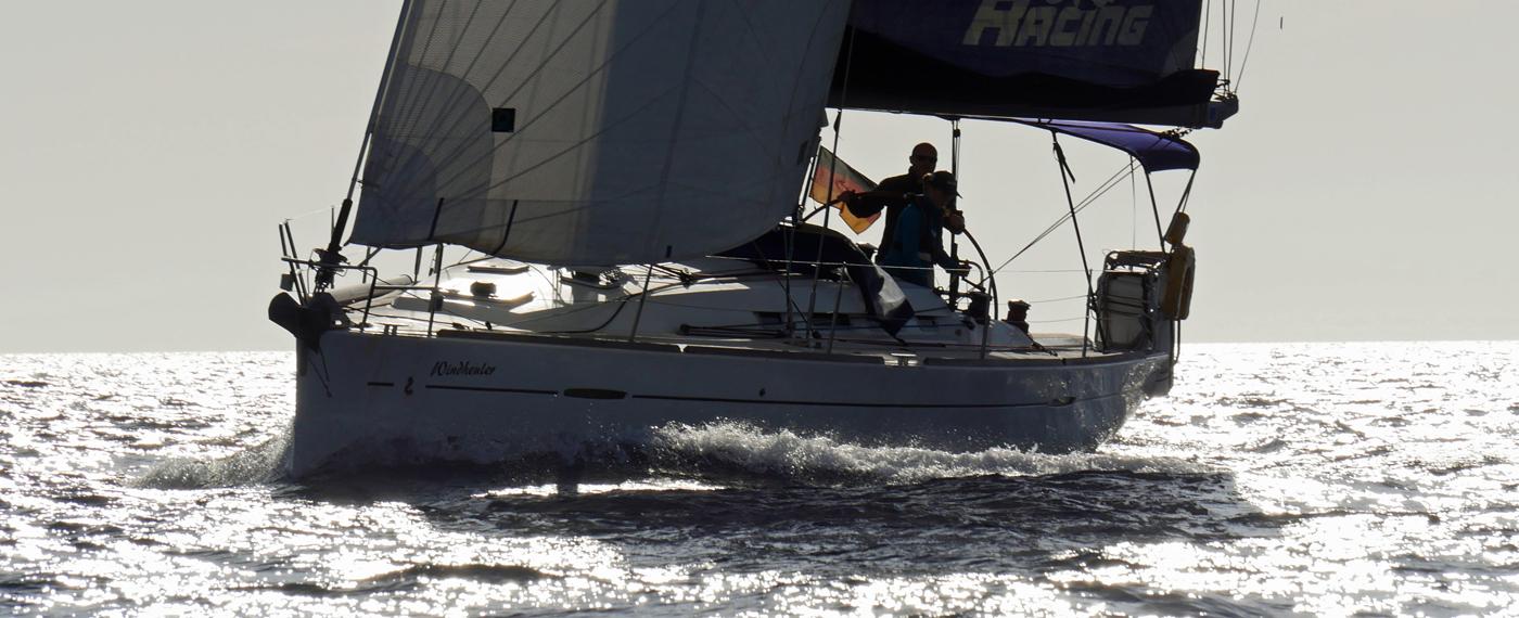 Segelyacht vor Formentera